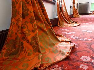 優美なカーテン